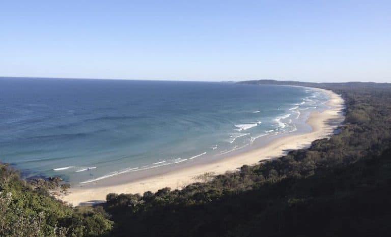 tallows beach byron bay