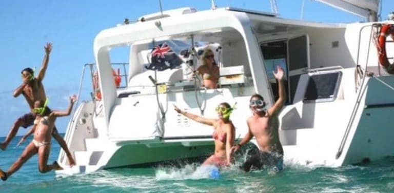 the adventurer whitsundays sailing trip