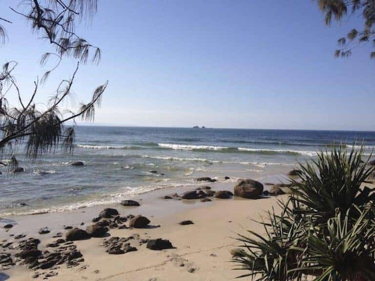 beat surfing beaches byron bay
