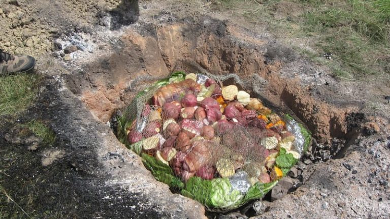 hangi - kiwi traditions