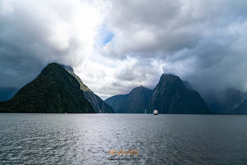 bus and boat to milford sound