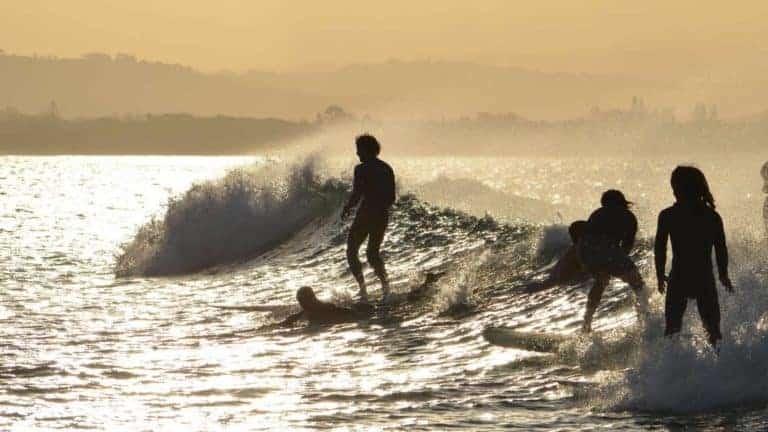 byron bay surfing beaches