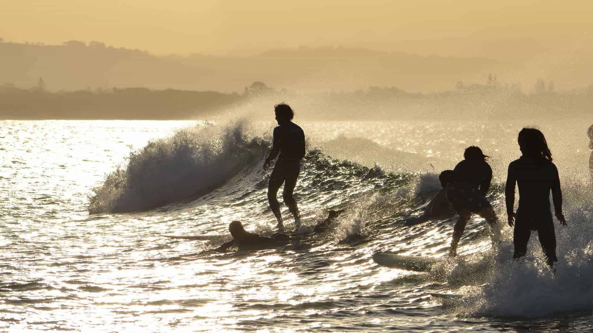 the best byron bay beaches for surfers