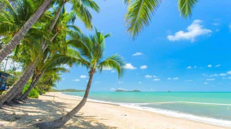 Cairns Clifton Beach
