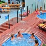courtyard spas at nomads byron bay hostel