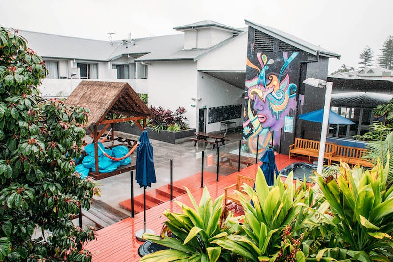 nomads byron bay backpackers hostel stay from 3 0. Black Bedroom Furniture Sets. Home Design Ideas